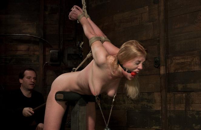 Проститутка рабыня с кляпом