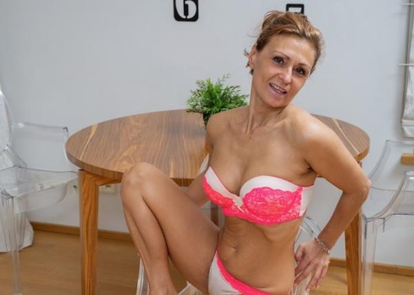Зрелая проститутка